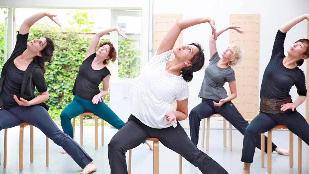 fea-forma-e-armonia-palestra-gyrokinesis-postura-schiena